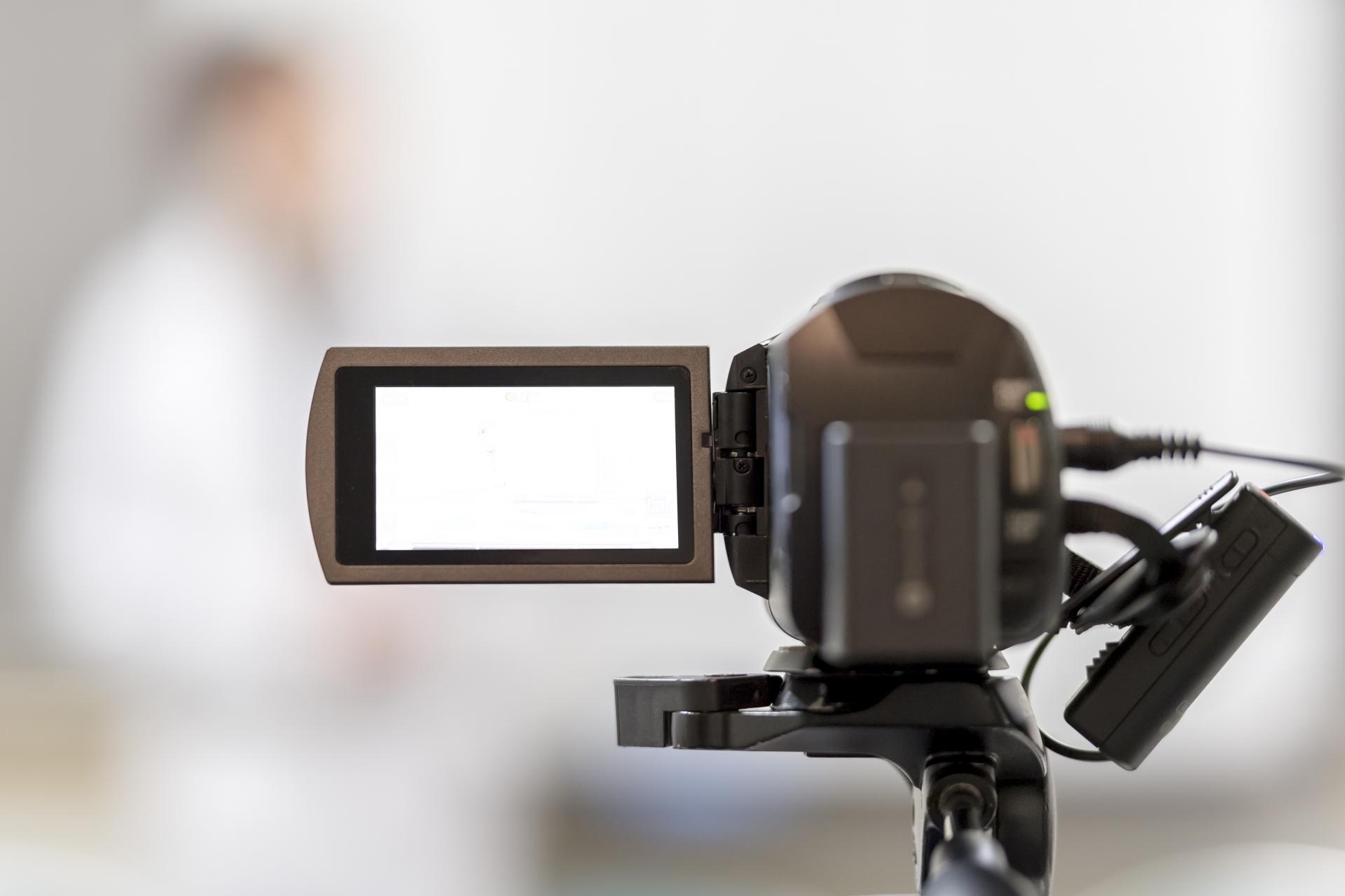 ECサイトで動画を活用!集客の広告からコンバージョン率UPまで!